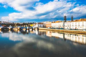 ciudad de Tavira en los pueblos mas bonitos del Algarve
